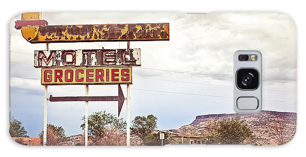 Horizontal Galaxy Case - Old Motel Sign On Route 66, Usa by Andrey Bayda
