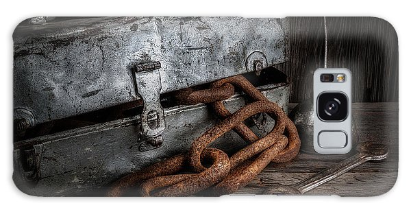 Rusty Chain Galaxy Case - Painted Toolbox And Chain by Tom Mc Nemar