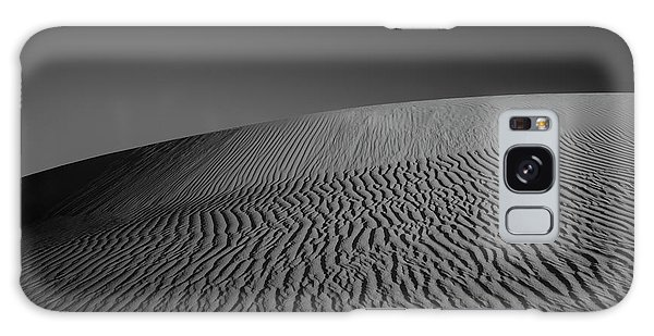 Sand Dunes Galaxy Case - Perry Sandhills Black And White by Ivan Krpan
