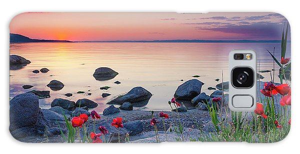 Poppies By The Sea Galaxy Case