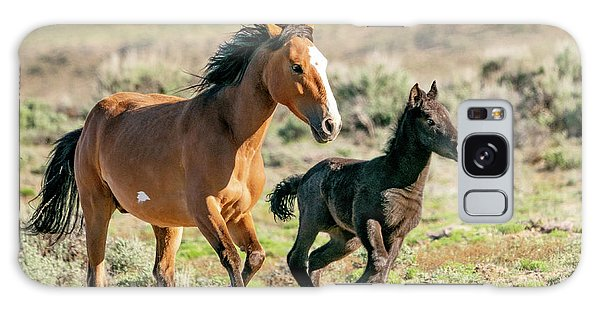 Running Wild Mustangs - Mom And Baby Galaxy Case