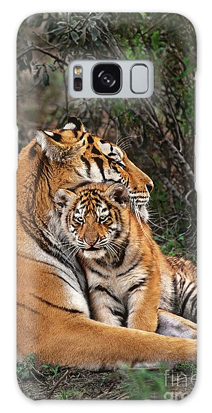 Siberian Tiger Mother And Cub Endangered Species Wildlife Rescue Galaxy Case