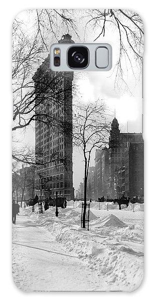 The Empire Galaxy Case - Snow At The Flatiron Building by Jon Neidert