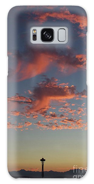 Space Needle And Pink Clouds Galaxy Case