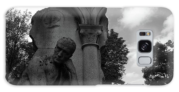 Galaxy Case featuring the photograph Statue, Pondering by Edward Lee