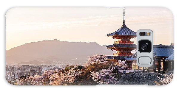 Attraction Galaxy Case - Sunset At Kiyomizu-dera Temple And by Thipjang