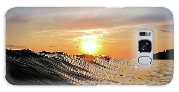 Waves Galaxy Case - Sunset In Paradise by Nicklas Gustafsson