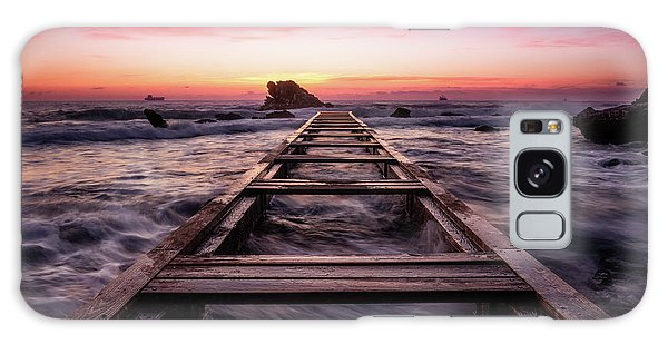 Sunset Shining Over A Wooden Pier In Livorno, Tuscany Galaxy Case
