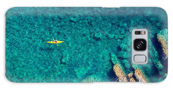 Seashore Galaxy Case - Top View Of Kayak Boat Oin Shallow by Mikhail Varentsov