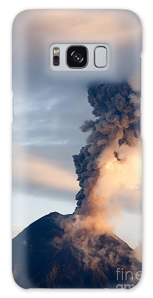 Environments Galaxy Case - Tungurahua Volcano Eruption 06 12 2010 by Ammit Jack