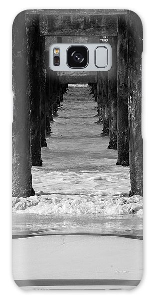 Under The Pier #2 Bw Galaxy Case