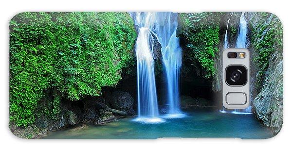 Scenery Galaxy Case - Vegas Grande Waterfall In Topes De by Richard Cavalleri