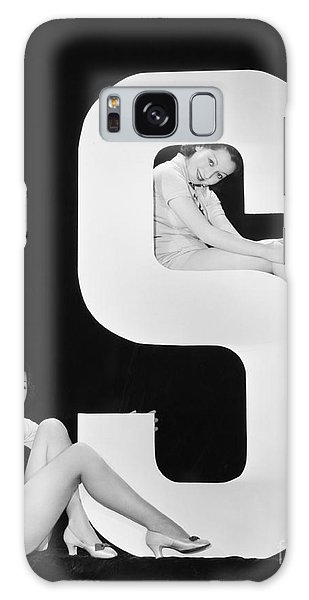 Two People Galaxy Case - Women Posing With Huge Letter S by Everett Collection