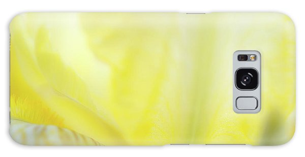 Yellow Iris 3 Galaxy Case