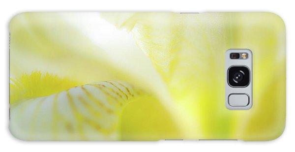 Yellow Iris 5 Galaxy Case