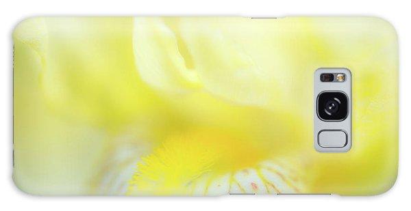 Yellow Iris 6 Galaxy Case