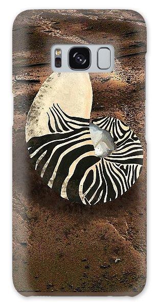 Zebra Nautilus Shell On The Sand Galaxy Case