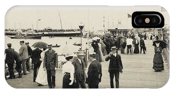 Isle Of Wight  Ryde, On The Pier Phone Case by Mary Evans Picture Library