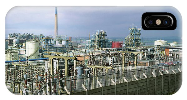Chemical Works Phone Case by Robert Brook/science Photo Library