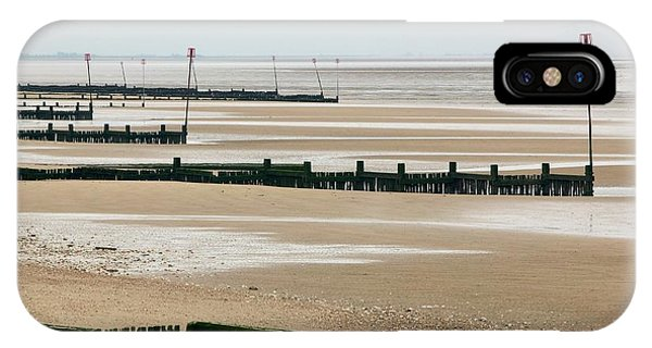 Coastal Defences Phone Case by Colin Cuthbert/science Photo Library