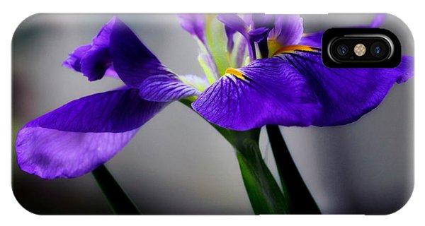 Elegant Iris IPhone Case