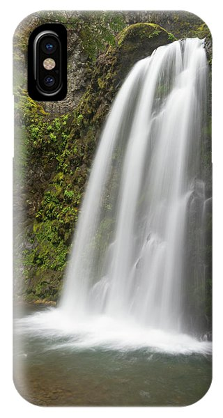Basalt iPhone Case - Fall Creek Falls, Oregon by William Sutton
