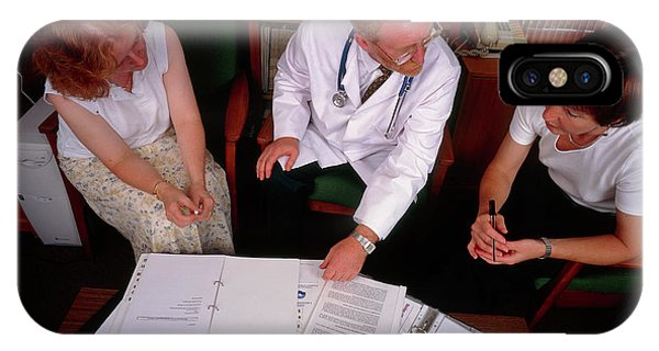 Staff iPhone Case - Hospital Conference: Staff Discuss Hospital Issues by Simon Fraser/science Photo Library