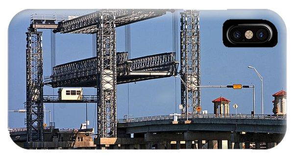 Liftbridge For Boat Traffic IPhone Case