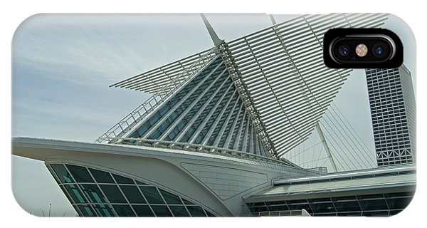 Milwaukee Art Museum Phone Case by Devinder Sangha