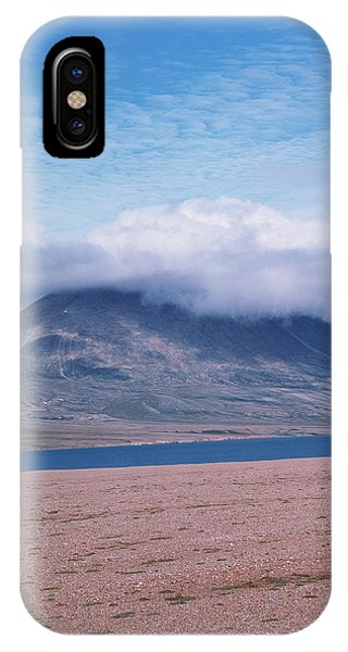 Mountain Cloud Phone Case by Simon Fraser/science Photo Library