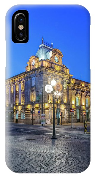 Commute iPhone Case - Portugal, Porto, Sao Bento Station by Rob Tilley