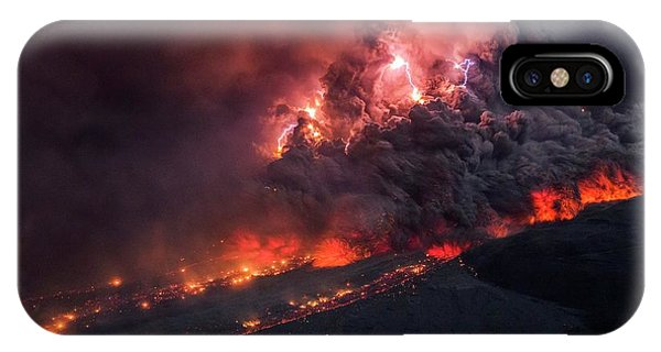 Pyroclastic Flow iPhone Case - Pyroclastic Flow by Martin Rietze/science Photo Library