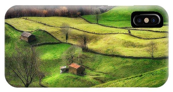 Rural iPhone Case - Rural Life by Oskar Baglietto
