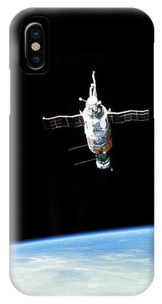 Spaceflight iPhone Case - Salyut 6 Space Station by Detlev Van Ravenswaay