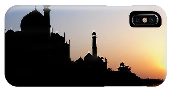 Silhouette Of The Taj Mahal At Sunset Phone Case by Steve Roxbury
