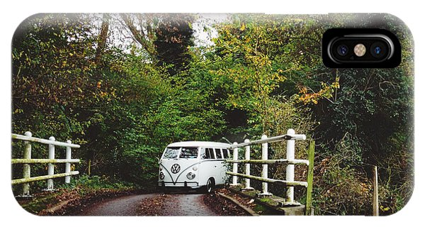 Vw Bus iPhone Case - Splitscreen Over Tewin Bridge by Gemma Knight