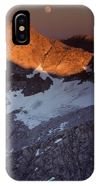 Kings Canyon iPhone Case - Usa, Sawtooth Peak, Sunset, Moonrise by Gerry Reynolds