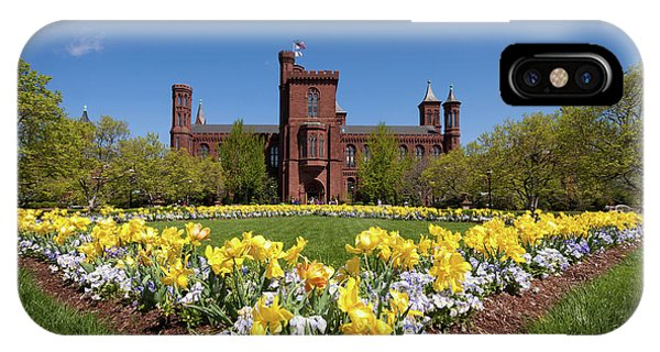 Smithsonian iPhone Case - Usa, Washington, Dc by Christopher Reed