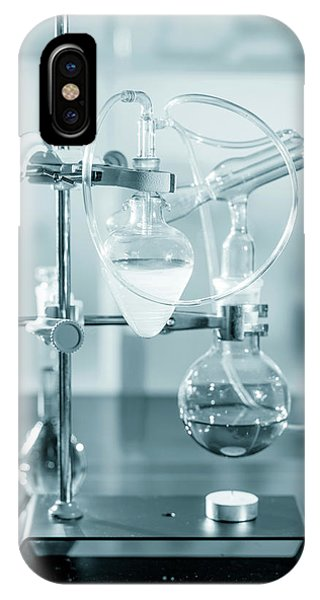 Chemistry Experiment In Lab Phone Case by Wladimir Bulgar