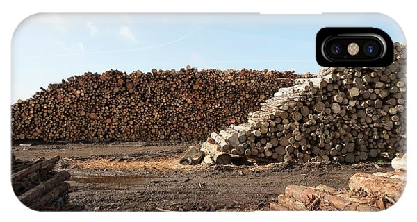 Wood Chip Fuel Production Phone Case by Lewis Houghton/science Photo Library