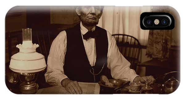 Lincoln At Breakfast Phone Case by Ray Downing