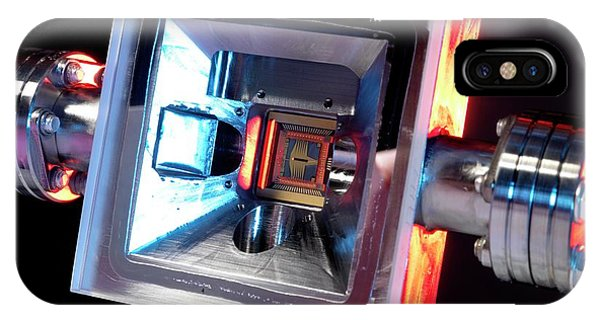 Microfabricated Ion Trap Phone Case by Andrew Brookes, National Physical Laboratory/science Photo Library