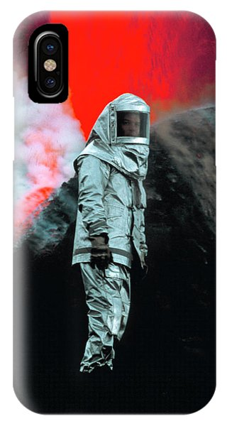 Mt Etna iPhone Case - Volcanologist By Mount Etna Eruption by Jeremy Bishop/science Photo Library