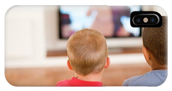 Children Watching Television Phone Case by Ian Hooton/science Photo Library
