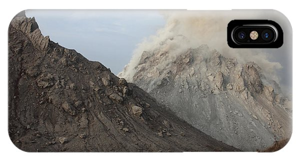 Pyroclastic Flow iPhone Case - Degassing Rerombola Lava Dome by Richard Roscoe