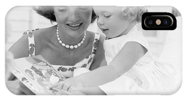 Jacqueline And Caroline Kennedy At Hyannis Port 1959 IPhone Case