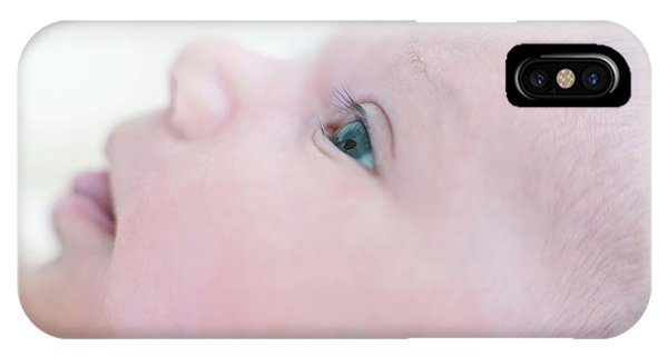0 iPhone Case - Newborn Baby Girl by Ian Hooton/science Photo Library