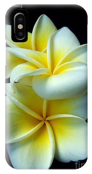 3 Plumerias IPhone Case