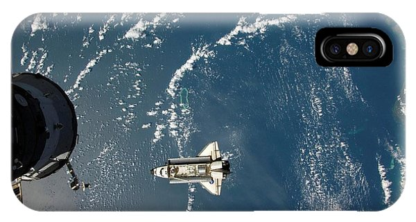 International Space Station iPhone Case - Endeavour Approaching The Iss by Nasa/science Photo Library