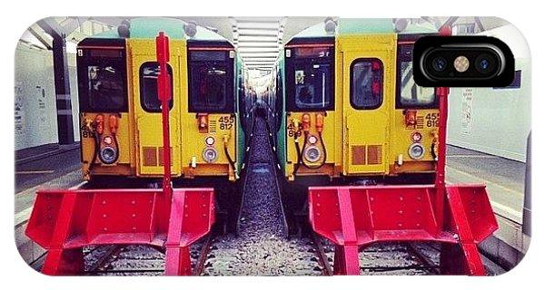London Bridge iPhone Case - Waiting Trains by Liam Sapieka